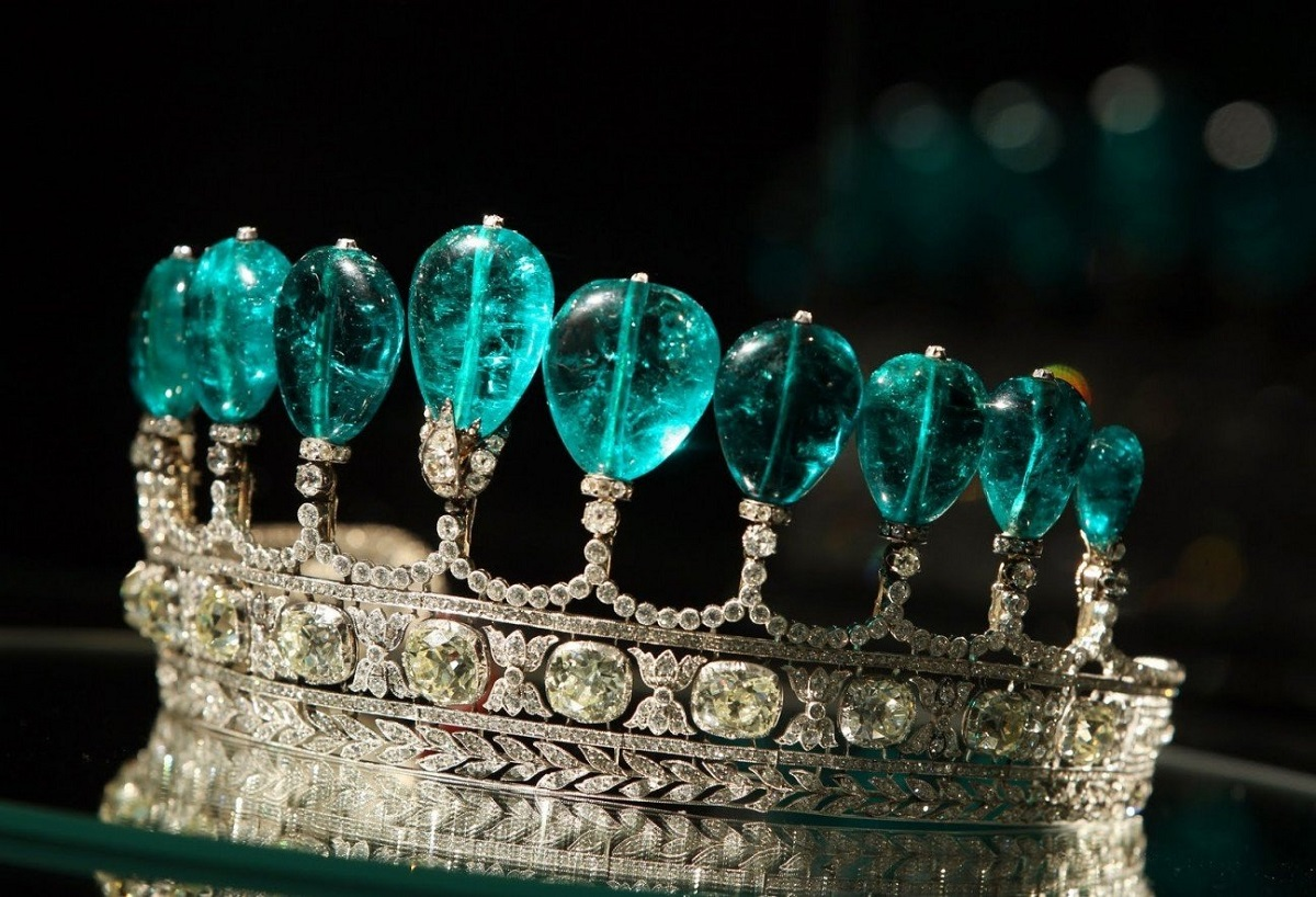 Emerald-and-Diamond-Tiara-18910.jpeg