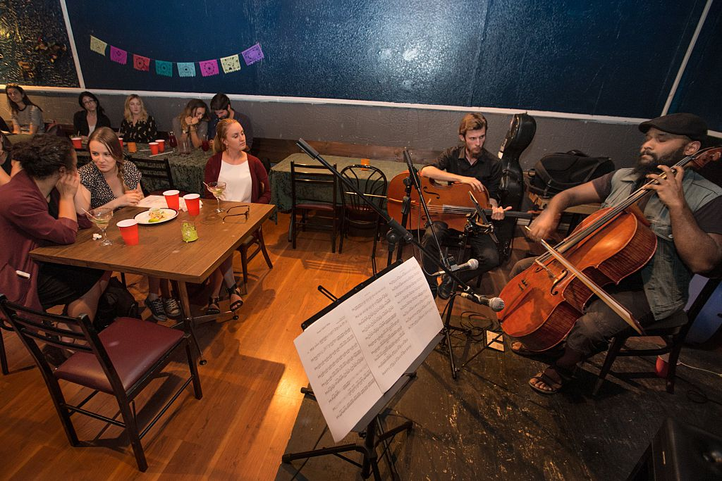 music playing in restaurant cellist in toronto