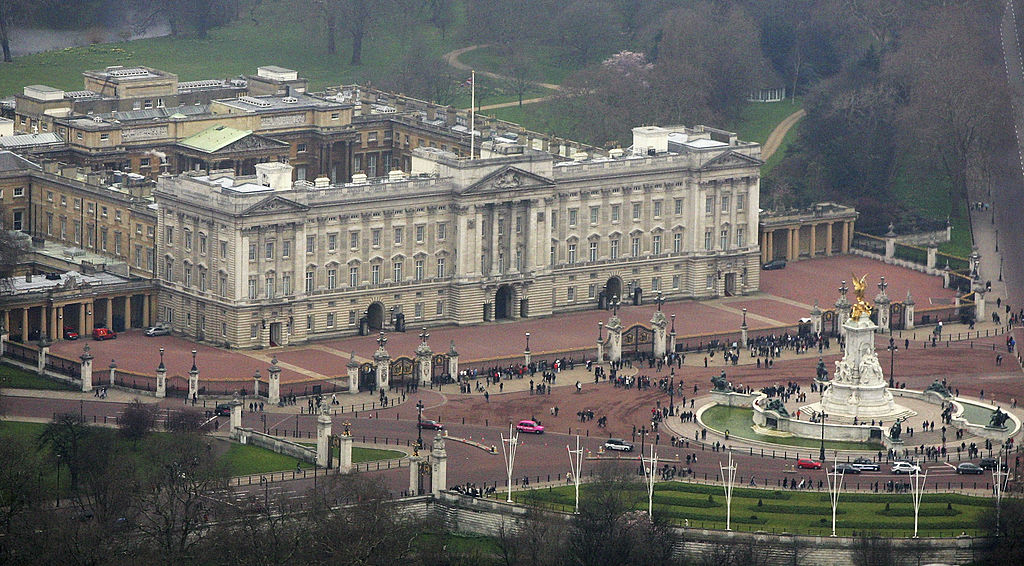 Buckingham palace in the heart of London, England