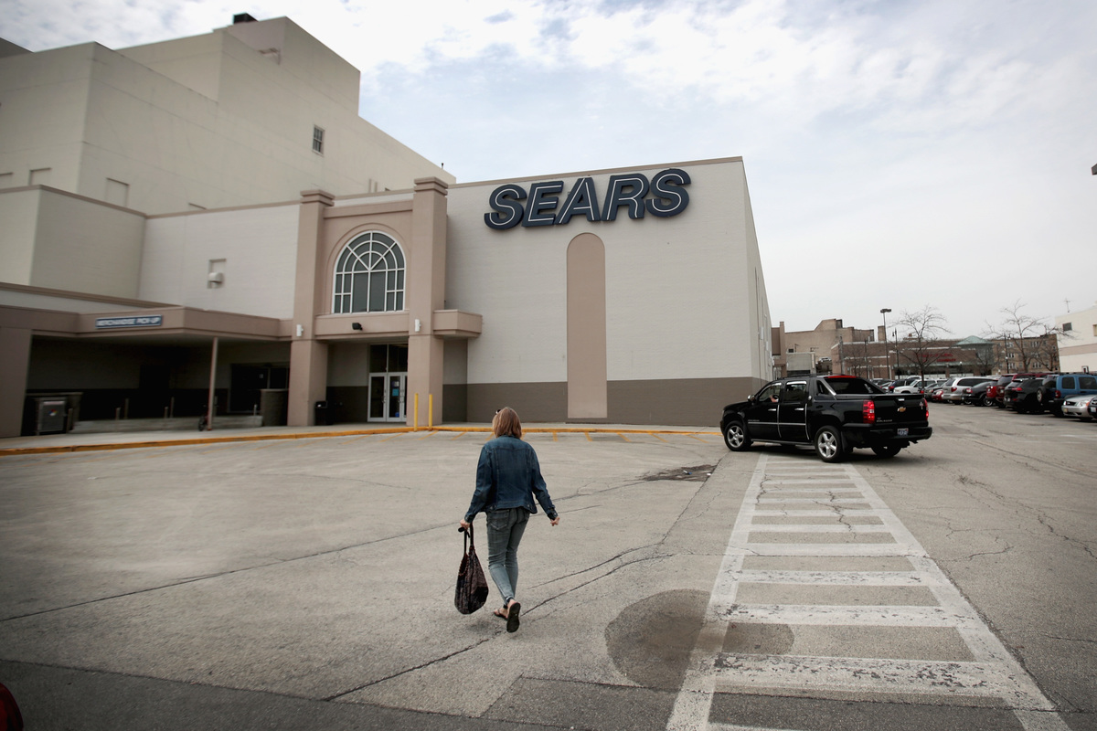 Customers shop at Chicago's last remaining Sears