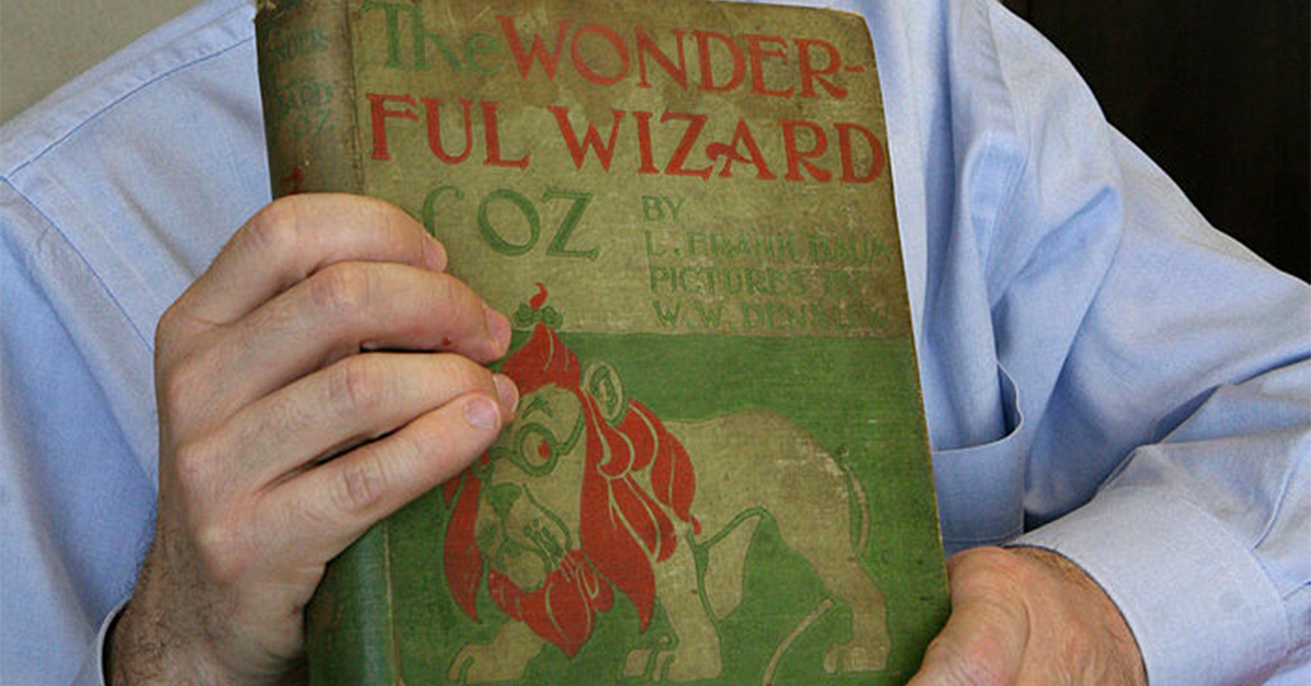 close up of the wonderful wizard of oz first edition novel