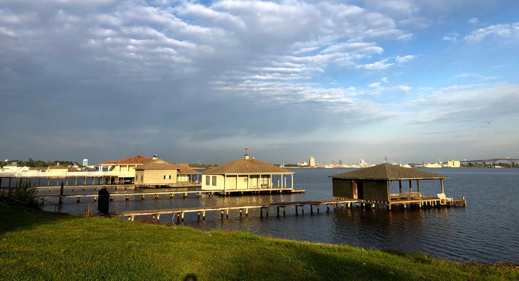 lake-charles-louisiana-1138415103