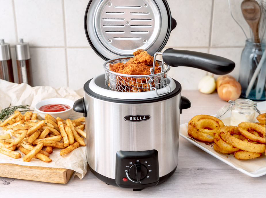 Promotional photo of BELLA 0.9L Deep Fryer