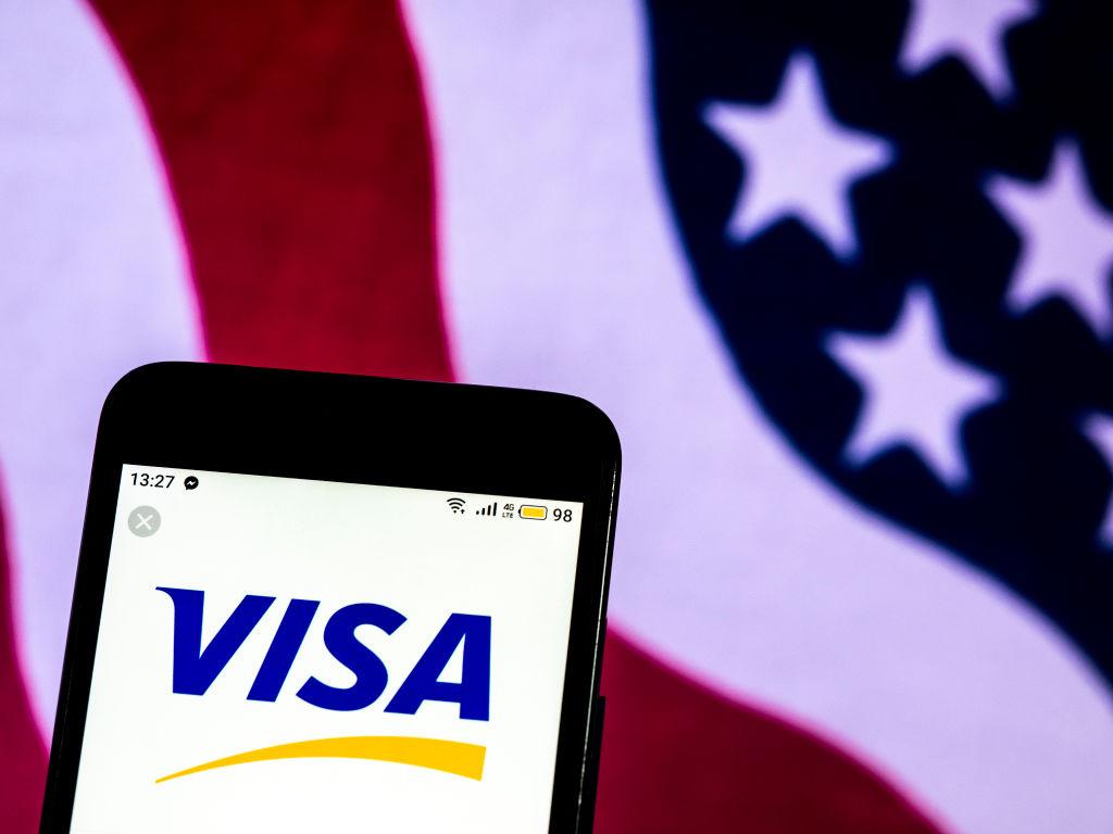 visa-card-1076038054