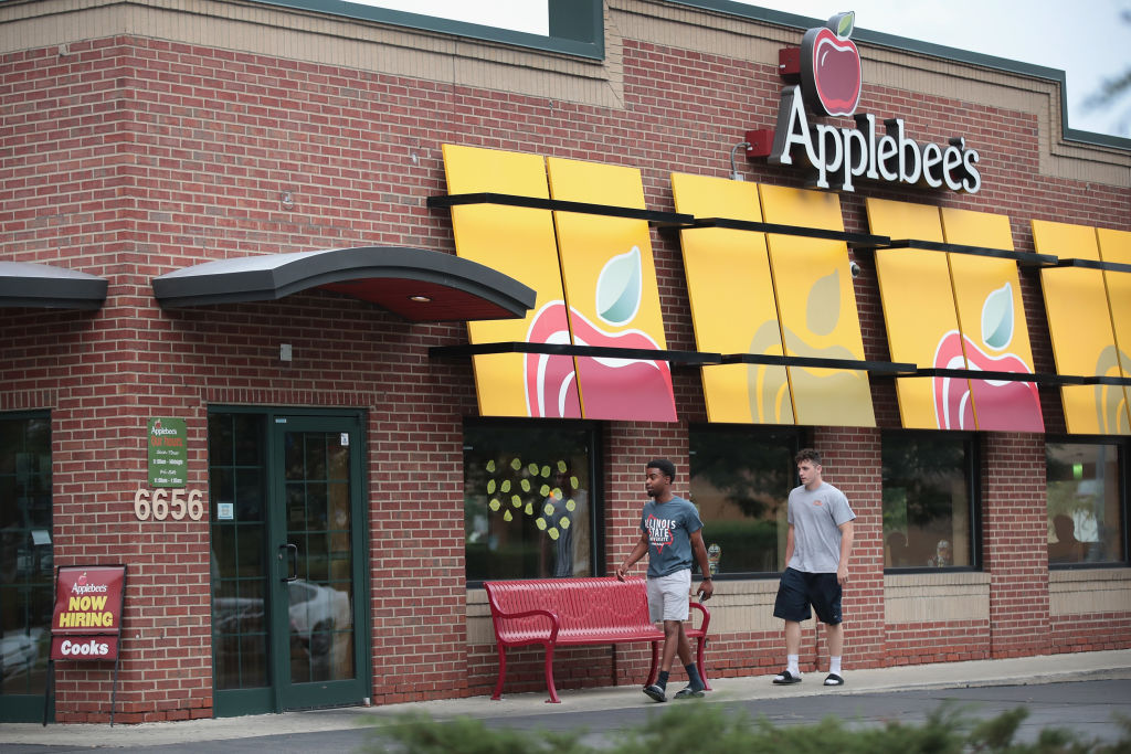 If Applebee's Closes, Where Will We Get $1 Drinks?