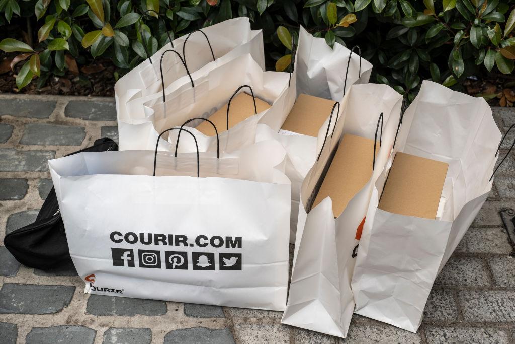 shopping-bags-1148486549