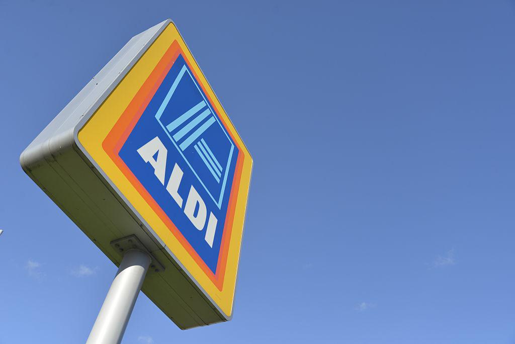 Aldi-sign-525503262