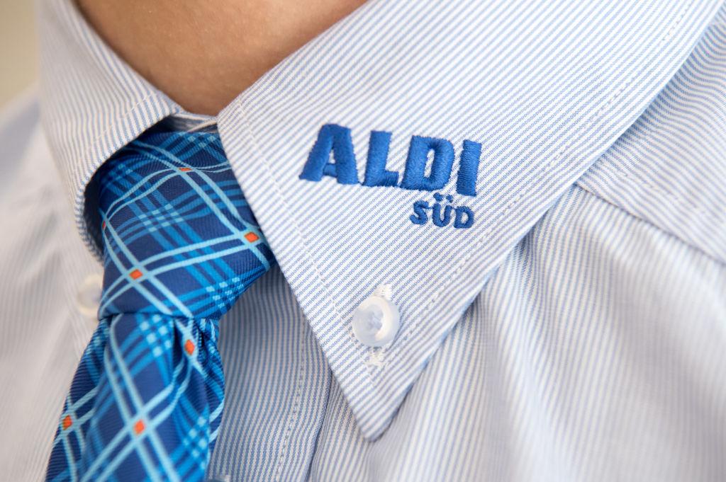 Aldi-staff-1036575530