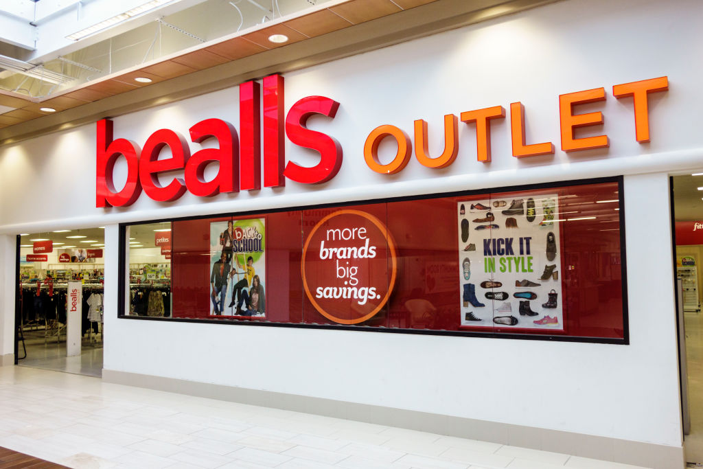 The entrance to Bealls Outlet