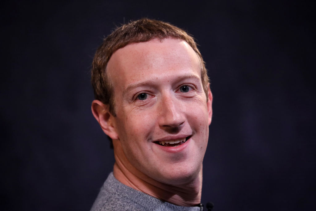 mark zuckerberg smiling for a photo