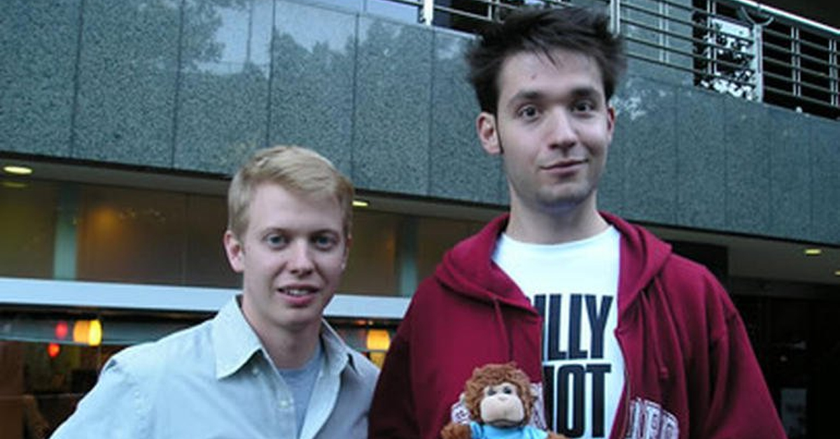 steve huffman and alexis ohanian posing for a photo