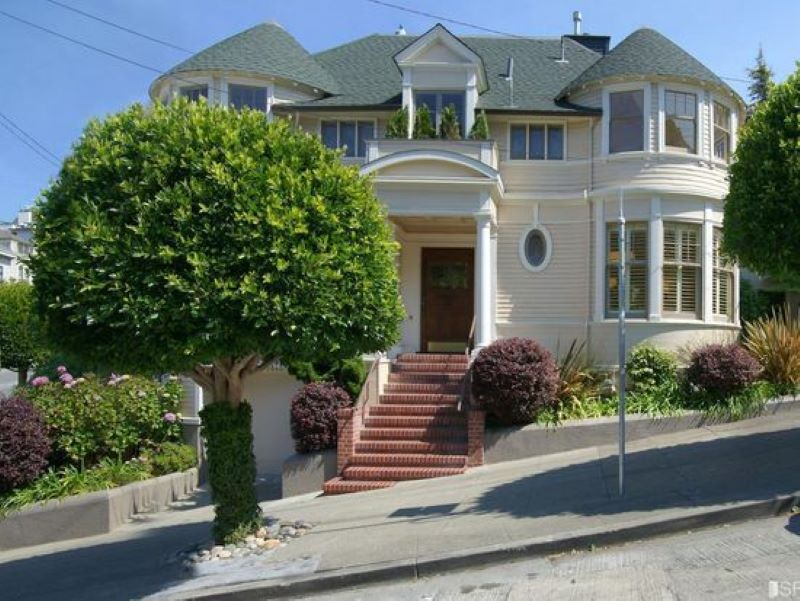 Mrs. Doubtfire Kept This House Spotless