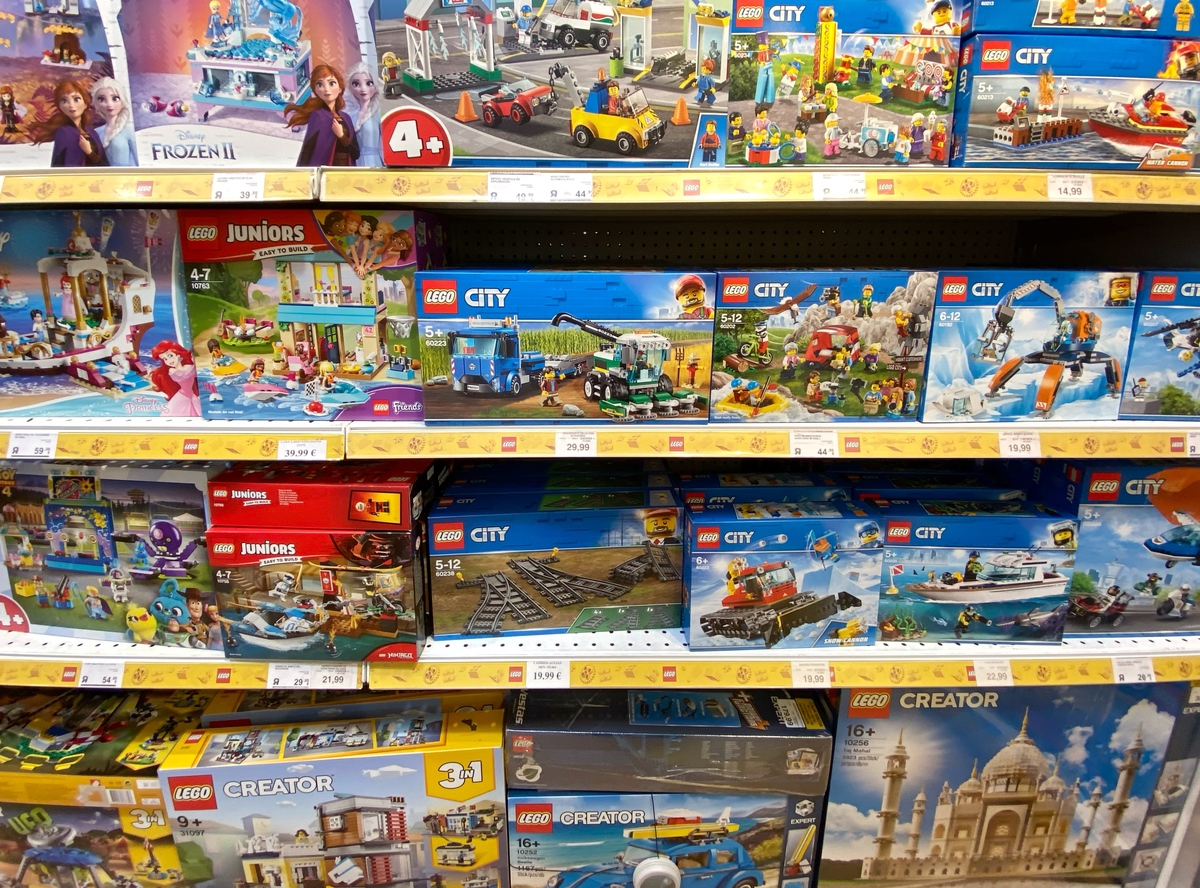 Shelf with LEGO sets