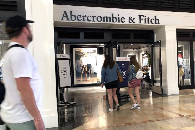 Abercrombie & Fitch Reports Weak Quarterly Earnings
