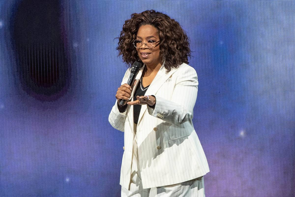 Oprah speaks onstage during 'Oprah's 2020 Vision: Your Life in Focus Tour.'