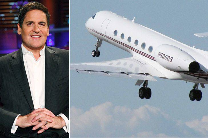 Mark Cuban's boeing flies through the air.