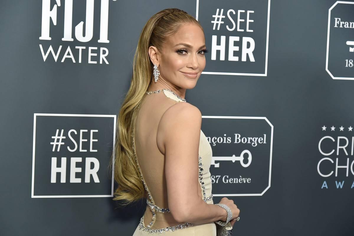 Jennifer Lopez: A New Mercedes