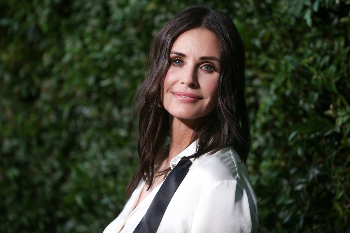 Courtney Cox: A Car To Get To And From The Friends Set