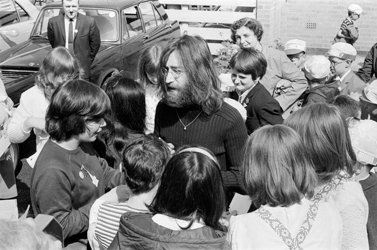 John Lennon: $525,000