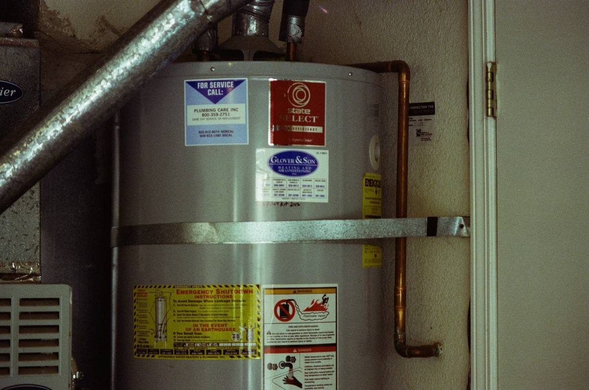 Insulate The Hot Water Heater For Money Savings