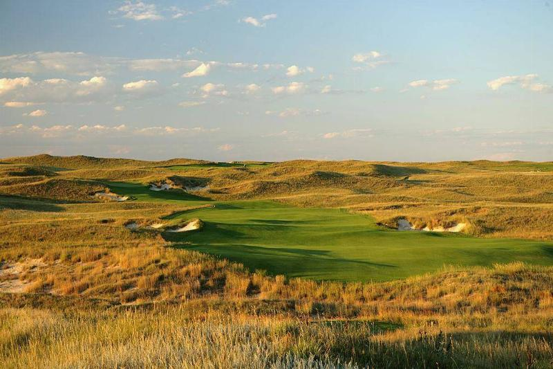 The Natural Beauty of Sand Hills Golf Club