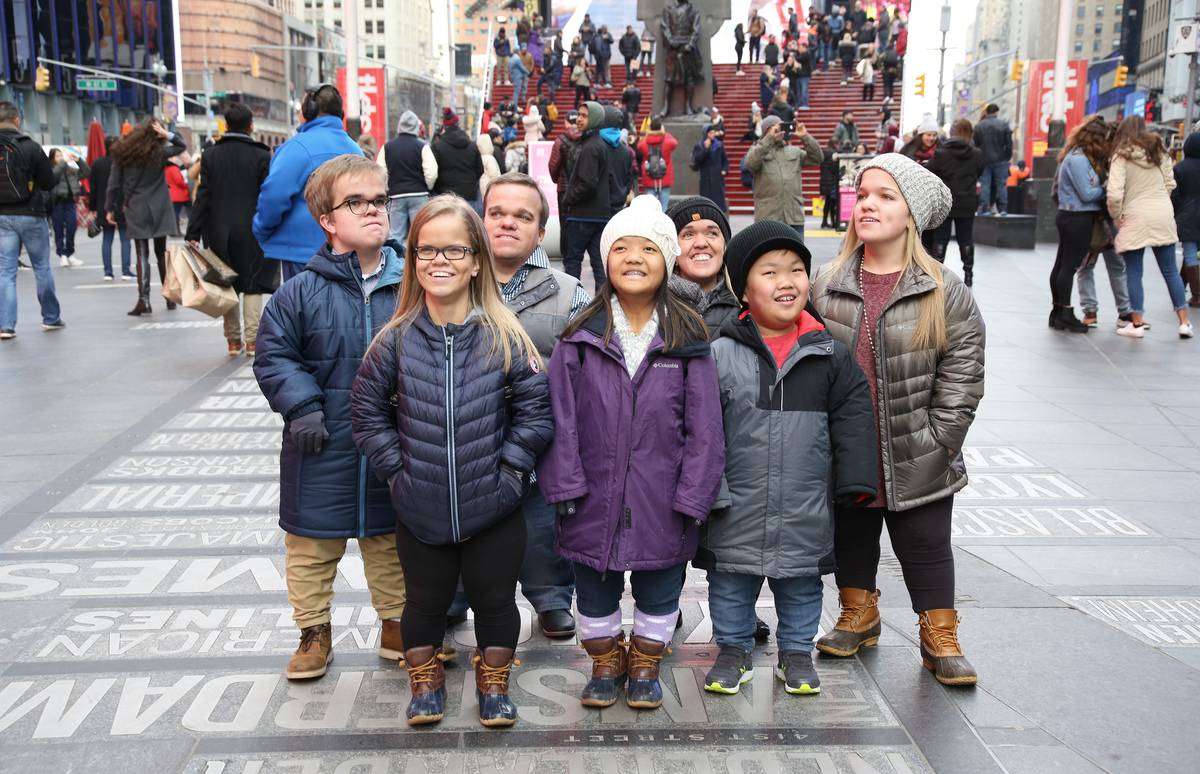 The Johnstons go sightseeing in New York City.