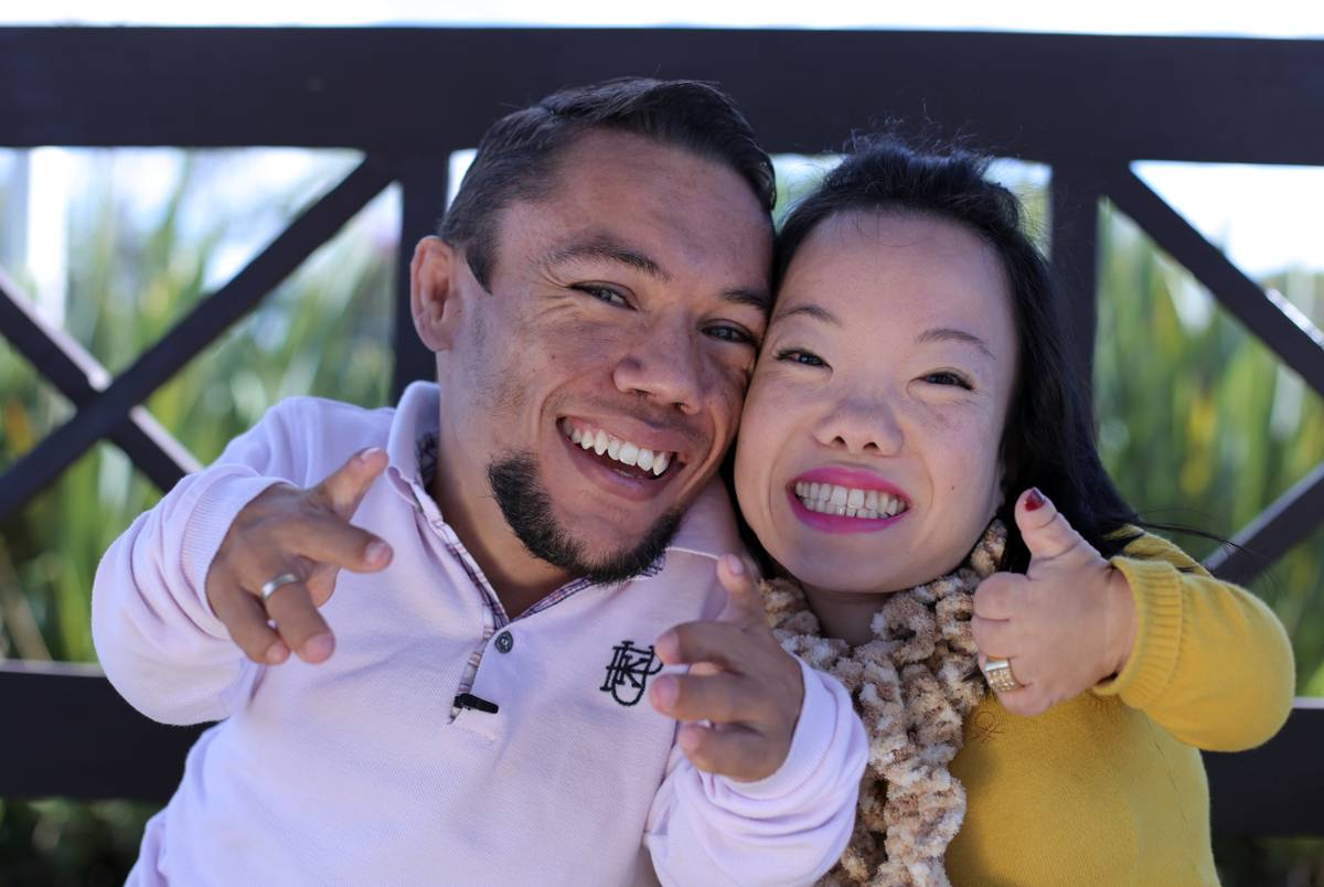 Paulo Gabriel da Silva Barros and Katyucia Hoshino are now engaged and hope to be the world's smallest couple.