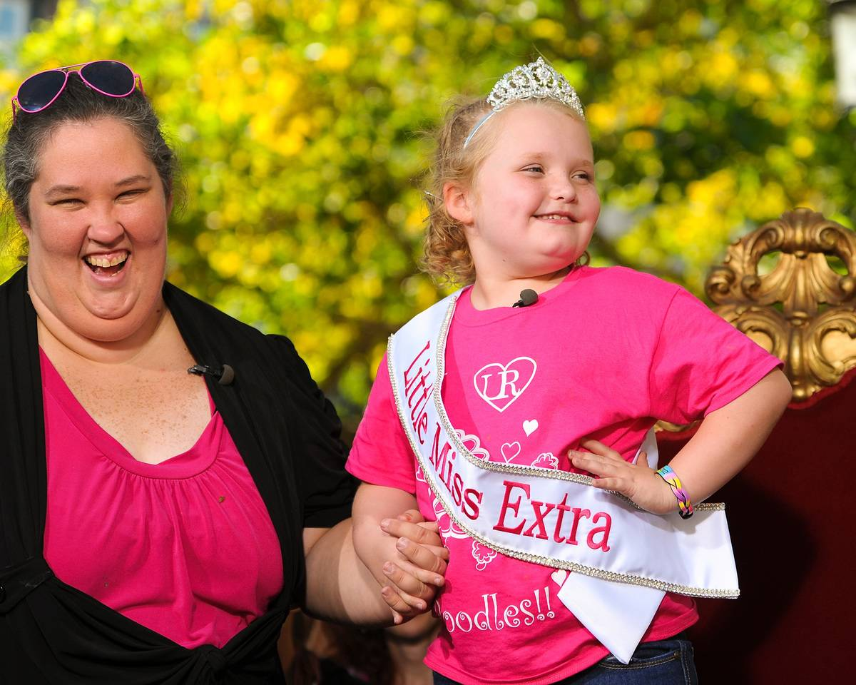 Alana 'Honey Boo Boo' Thompson and her mother June Shannon (L) pose for photos, 2012.