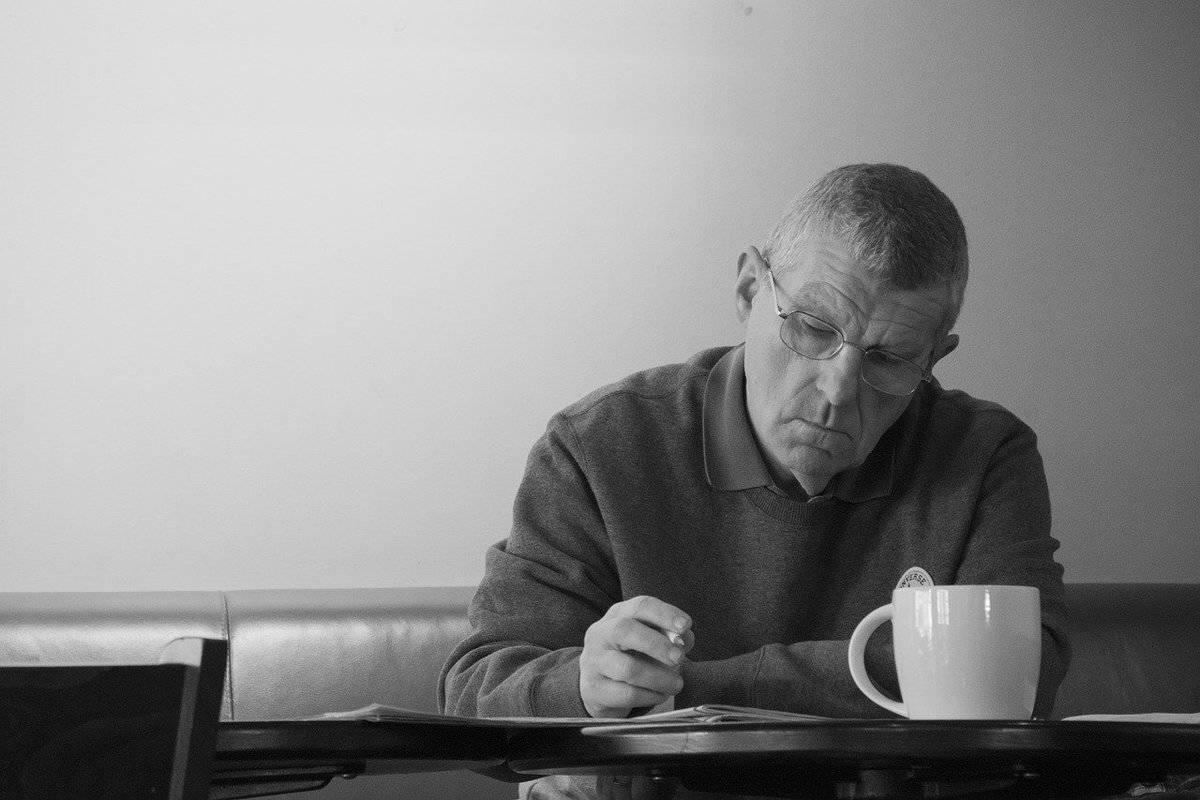 senior-man-writing