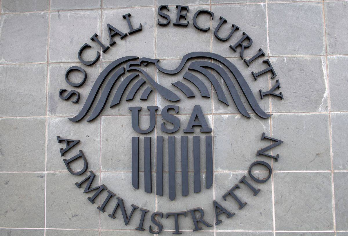 A building has the logo of the US Social Security Administration.