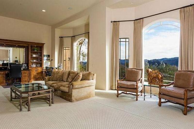 Second-Floor Informal Living Room