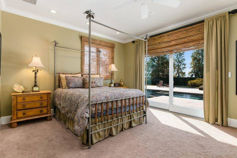 shaq-bedroom-46835