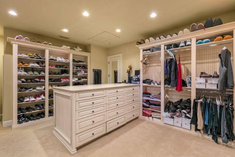 shaq-closet-50397