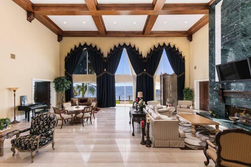 shaq-living-room-3-94705