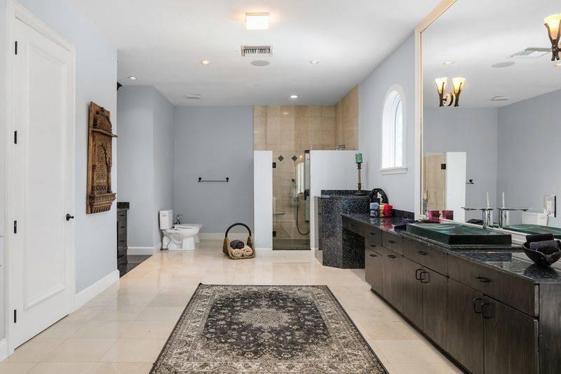 shaq-master-bathroom-2-99851