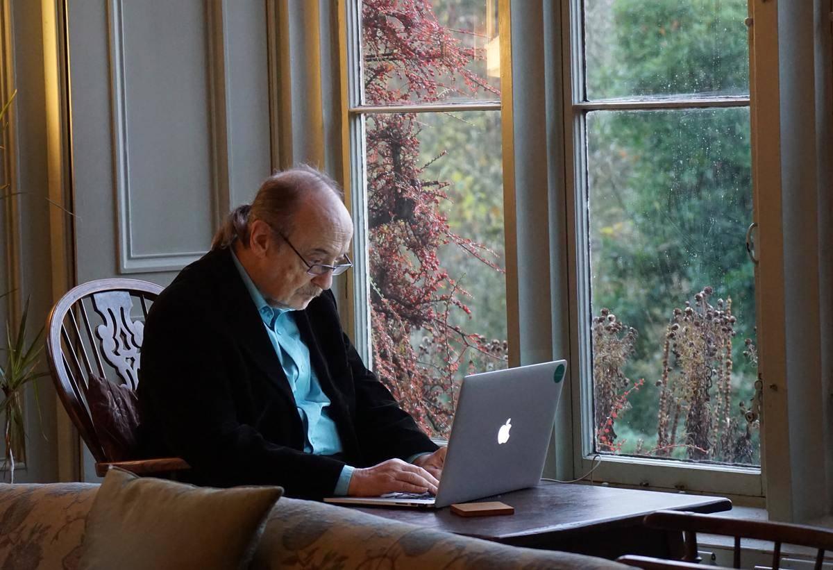 man-on-laptop