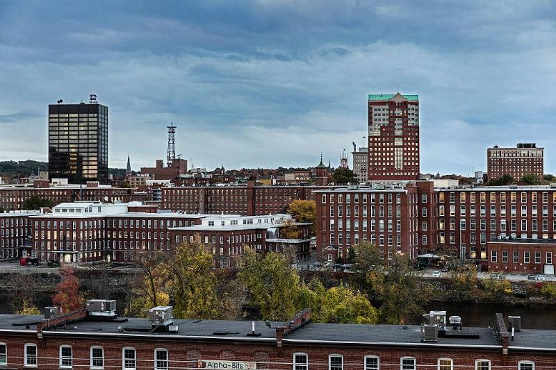 the city skyline in Manchester, New Hampshire