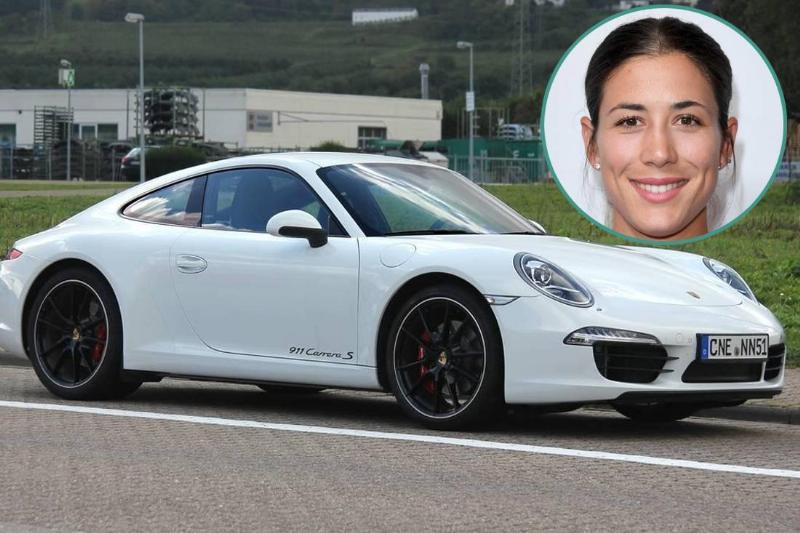 Garbine Muguruza - Porsche 911 Carrera